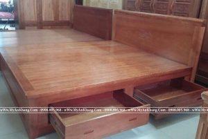 Giường ngủ gỗ xoan đào có 2 hộc kéo mặt giác phản