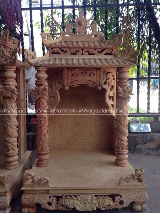 bàn thờ thần tài ông địa mái chùa TPHCM