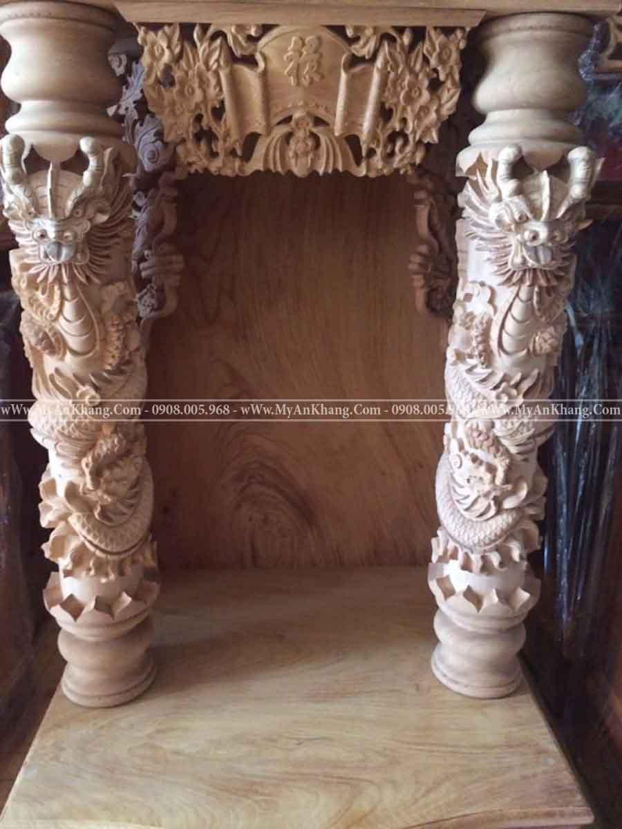 Bàn thờ ông địa thần tài cột rồng quấn gỗ tự nhiên
