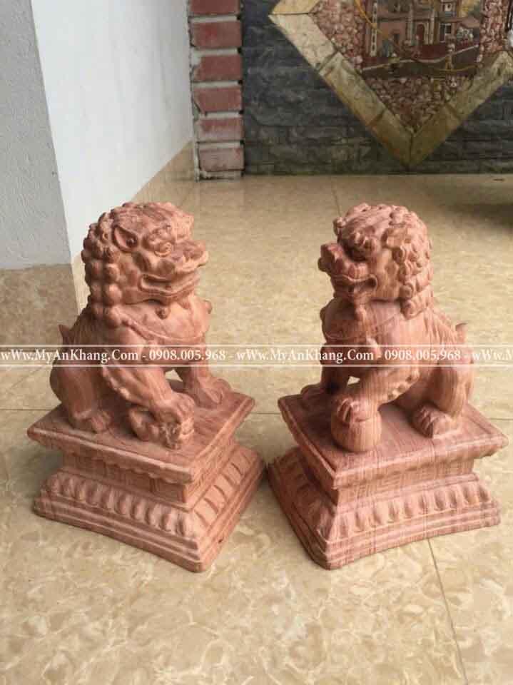 Cặp tượng kỳ lân gỗ hương đẹp