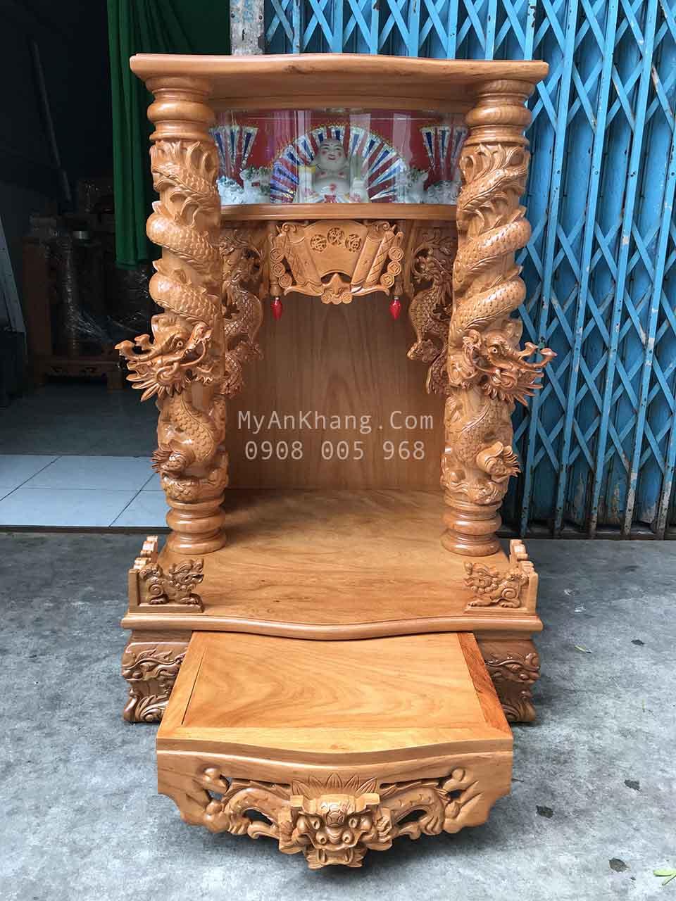 Bàn thờ ông địa đẹp cột rồng cuộn hộp đèn 68