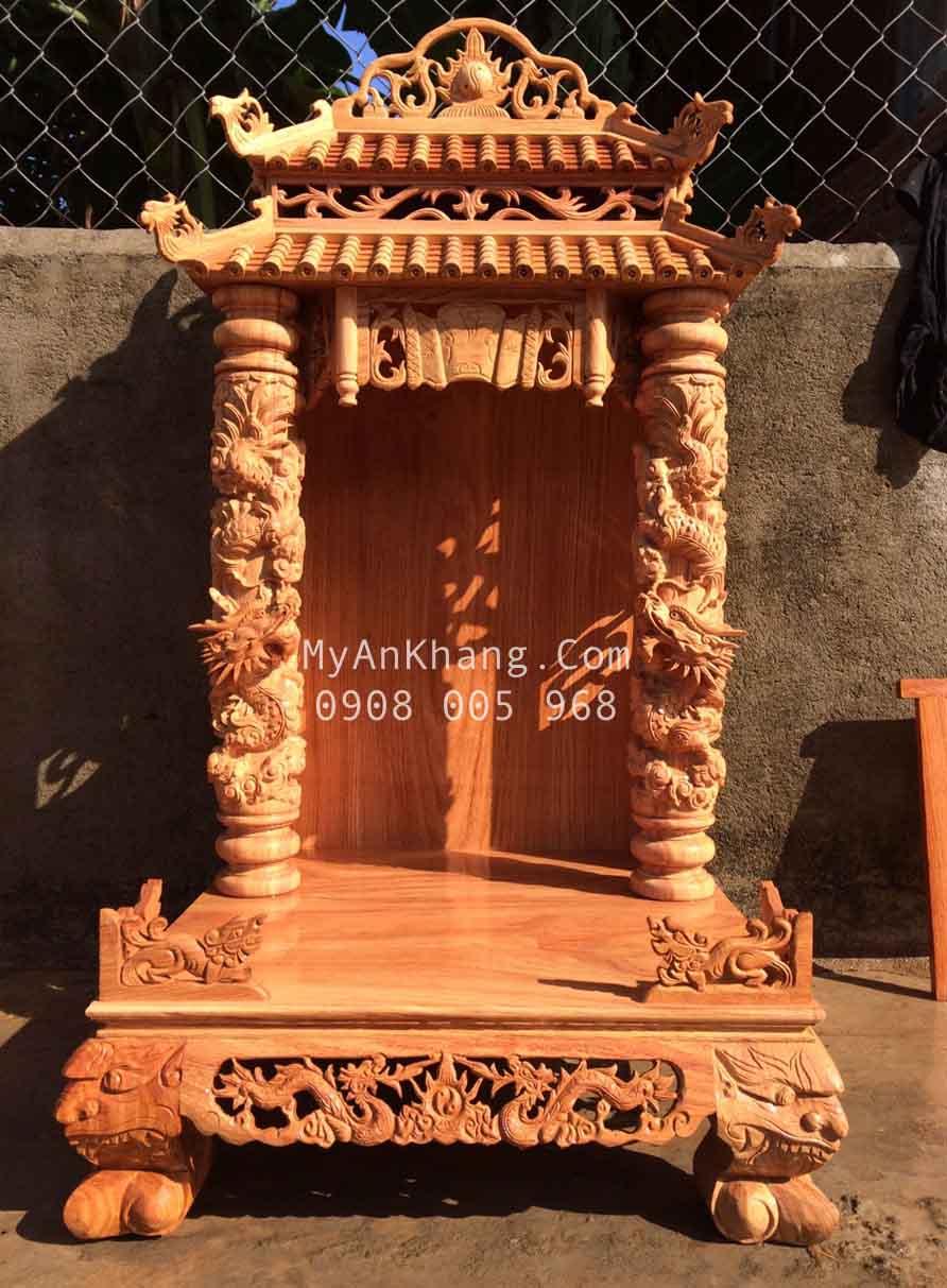 Bàn thờ thần tài ông địa mái chùa đẹp cột rồng mây