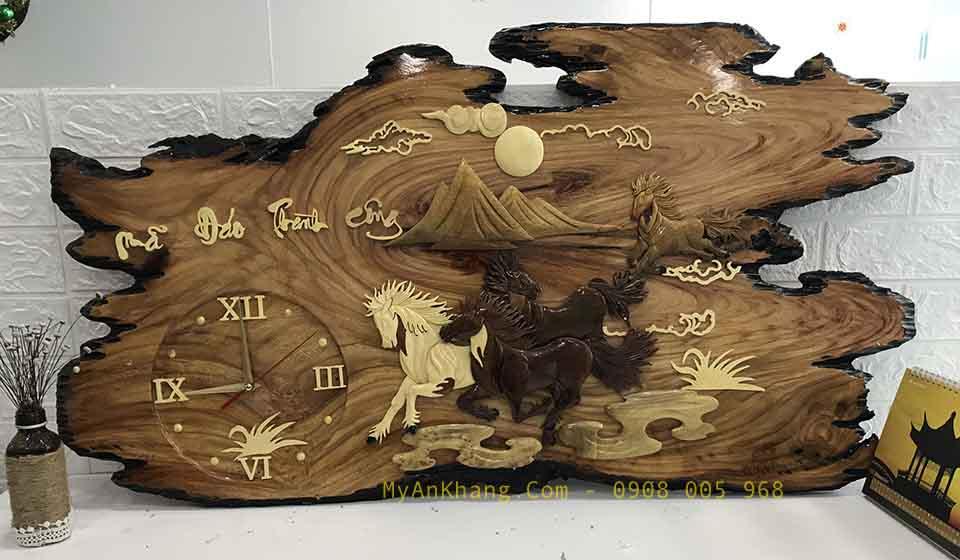 Đồng hồ gỗ chữ thư pháp mã đáo thành công