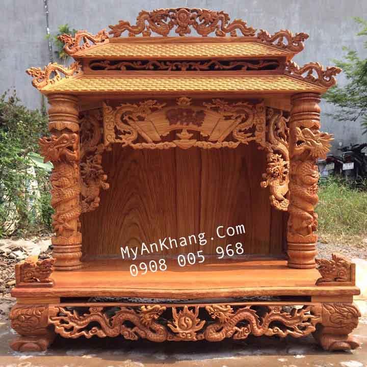 Bàn thờ ông địa mái chùa tại Hà Nội