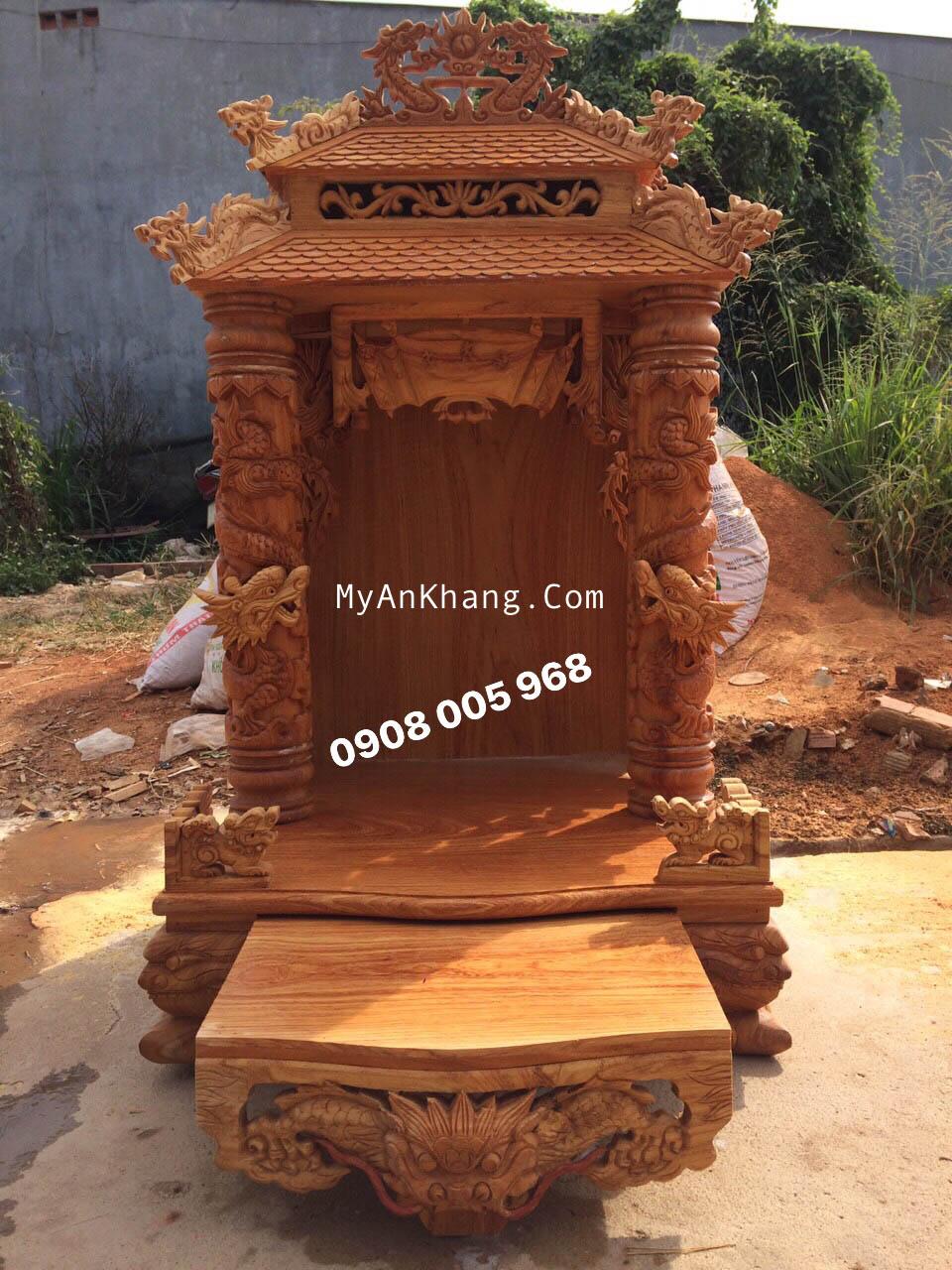 Bàn thờ thần tài mái chùa Đẹp tại Bạc Liêu